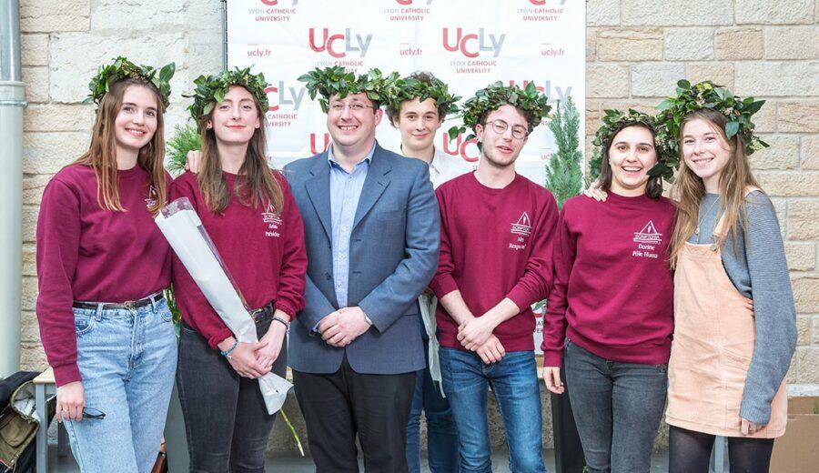 Cérémonie des lauriers - promotion 2017-2018 - étudiants - photo de groupe - Deshors