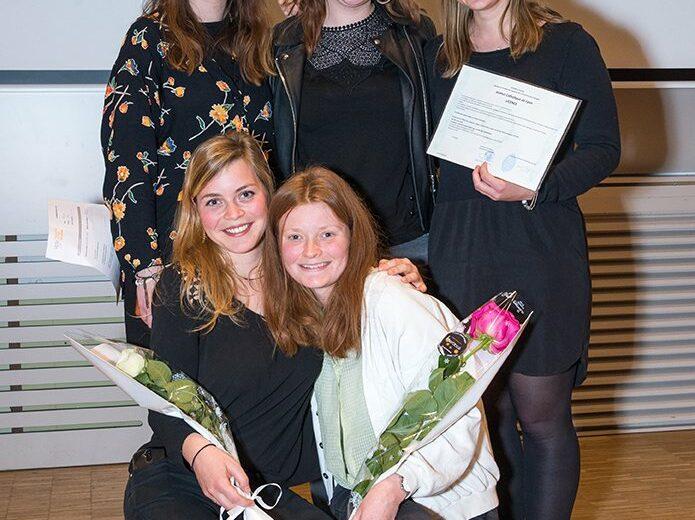 Cérémonie des lauriers - promotion 2017-2018 - étudiantes - photo de groupe