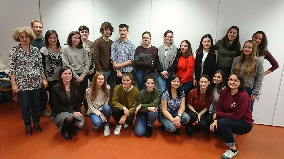 Actu - Visite de budapest - échange - étudiants et enseignants - photo de groupe - lettres modernes