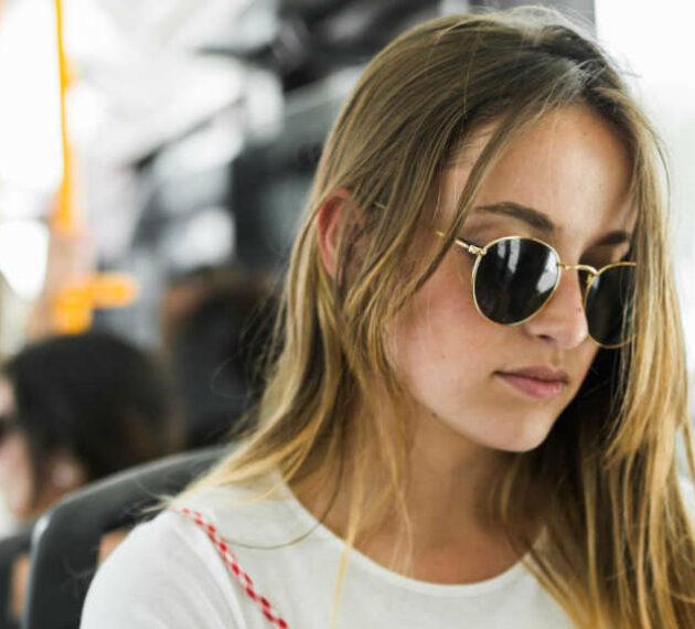 Etudiante dans le bus - Annecy