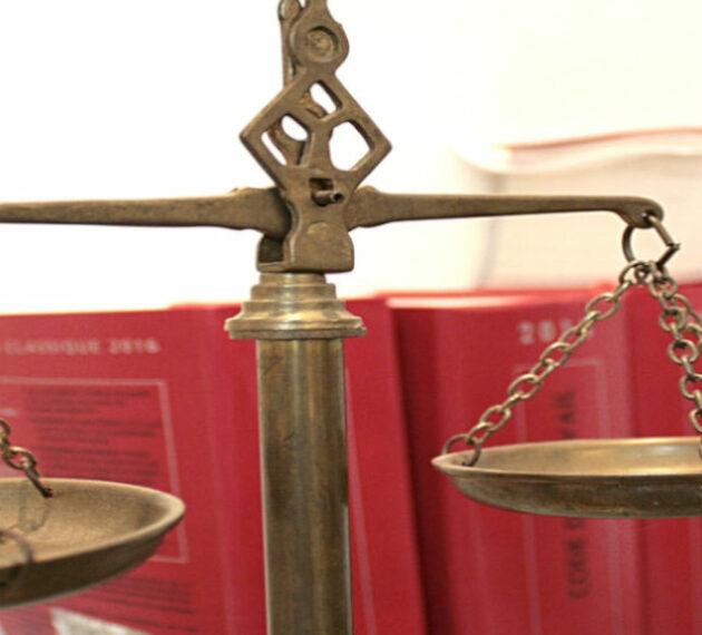 codes juridiques et balance