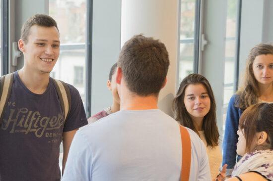 étudiants en groupe